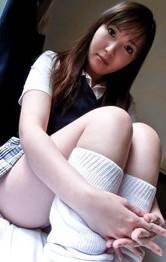 笑顔がキュートなFカップ美爆乳女子校生大沢はるかちゃんが、ブルンブルン爆乳を見せ付けてくれます!